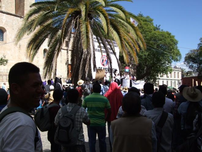 Manifestación contra privatización de petróleo
